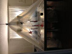 Dexter table for Halloween! Dexter Halloween, Halloween Party, Halloween Decorations, Party Themes, Blood, Entertaining, Holidays, Birthday, Table