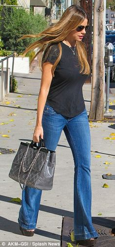 Sofia Vergara rocks a retro vibe in bell bottoms #dailymail
