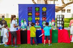 We offer the largest variety of animations and theme parties; we have very competitive prices with the best guarantees.