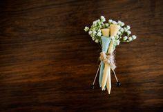 Elizabeth & Colt | Shreveport Wedding » St. Louis Wedding Photographers Kelly Pratt Photography - golf boutonniere
