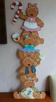 Gingerbread Ornaments, Gingerbread Decorations, Christmas Door Decorations, Christmas Yard, Office Christmas, Christmas Gingerbread, Country Christmas, Christmas Projects, Christmas Holidays