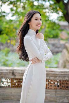Hoa hậu Việt Nam 2016: Lại ngất ngây với người đẹp Huế - Ngọc Trân trong tà Áo dài trắng - Ảnh 3.