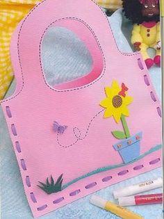 DIY thread & foam (or thick construction paper) purse. Paper Crafts For Kids, Foam Crafts, Diy Arts And Crafts, Diy For Kids, Diy Paper, Paper Purse, Blog Backgrounds, Felt Patterns, Kids Bags