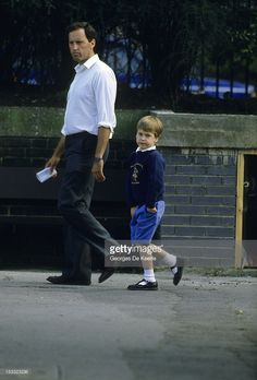 Circa 1988 ~ Prince William is pictured with his bodyguard. Prince William Family, Prince Charles And Diana, Diana Son, Lady Diana, Royal Family Pictures, Diana Williams, Prinz William, Prince And Princess, Prince Harry