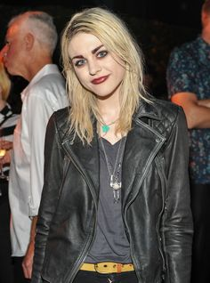 """Frances Bean Cobain to Lana Del Rey: Early Death Isn't 'Cool' - """"The death of young musicians isn't something to romanticize,"""" she tells singer http://www.rollingstone.com/music/news/frances-bean-cobain-to-lana-del-rey-early-death-isnt-cool-20140623"""