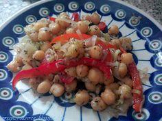 Chickpeas, leek and pepper salad / Sałatka z ciecierzycy, pora i papryki