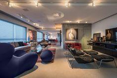Apartamento Contemporâneo - Sala de Estar - Cimento Queimado - Arte em Casa - Quadros - Arte - Esculturas - Trilho de Spots - Cadeira Redonda - Sofás - Blog Decostore