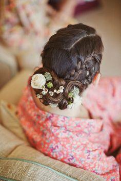 Flowers in her hair. Photo by @Mark Van Der Voort Tattersall