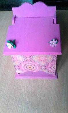 Porta Pañales ,varon y de niña varios diseños personalizados con su nombre también $180