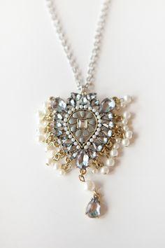 Elizabeth Taylor, Silver Necklace.......Uploaded By www.1stand2ndtimearound.etsy.com
