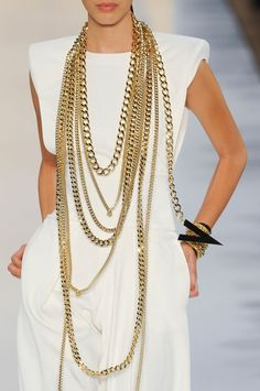 #Alexandre Vauthier #Trend White #Trend Gold chains
