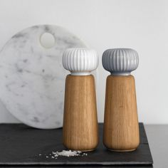 Amazon.com: Kahler Hammershoi - Oak and Porcelain Salt Mill / Salt Grinder…