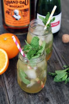 Cocktails in jars, nice summer party idea. And the contents sound even more delicious: Citrus & Mint Bourbon Sparkler. Or enjoy your favorite spritzer. Party Drinks, Fun Drinks, Alcoholic Drinks, Wine Cocktails, Cocktail Drinks, Cocktail Parties, Summer Parties, Summer Drinks, Mason Jar Drinks