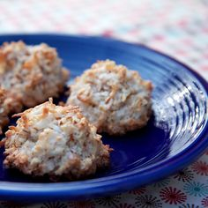 Dont Pass These Over: Almond and Coconut Macaroons
