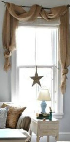 - My charmer from burlap, curtains very inexpensive and simple DIY window valance ideas that you would love - HomeDesignInspiredSew a burlap valance and decorate it with burlap Farmhouse Family Rooms, Farmhouse Decor, Farmhouse Style, Cottage Style, Farmhouse Curtains, Rustic Curtains, Country Style Curtains, Decorative Curtains, French Cottage