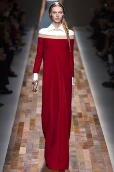 See the complete Valentino Fall 2013 Ready-to-Wear collection.
