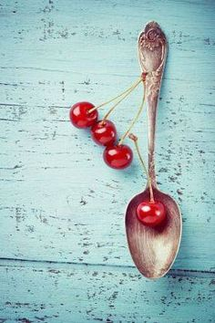 Vintage spoon and cherry berries on old wooden board - stock photo Fruit Photography, Food Photography Styling, Food Styling, Cherries Jubilee, Red Cottage, Red Turquoise, Teal, Sweet Cherries, Jolie Photo