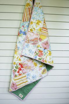 vintage sheet blanket for picnics and the beach! Thrift Town has tons of vintage sheets/fabrics.