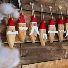 40 Stunning Rustic Christmas Decorations Ideas - Page 10 of 41 - Adila Decor Christmas Wood Crafts, Noel Christmas, Outdoor Christmas Decorations, Rustic Christmas, Christmas Projects, Christmas Tree Ornaments, Holiday Crafts, Santa Ornaments, Wood Ornaments