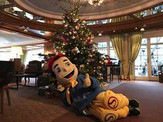 STOCKI loves Christmas at STOCK resort, Tyrol, Austria / www.stock.at #funwithkids #familytravel Tyrol Austria, Family Travel, Wreaths, Halloween, Christmas, Decor, Families, Kids, Yule