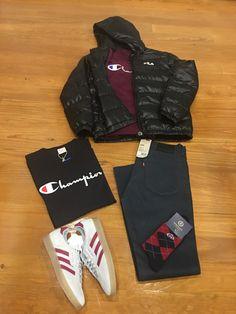 "Blog #RivendelMadrid ""British Outfit"" #Fila #chaqueta #jacket #champion #sudadera #sweatshirt #camiseta #tshirt #levis #pantalones #denim #AdidasOriginals #zapatillas #footwear #henrilloyd #calcetines #socks #guardarropa #wardrobe #madrid http://www.rivendelmadrid.es/blog/"
