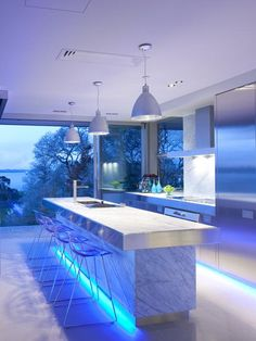 If you are looking for a luxury kitchen design then boy do we have some for you! Take a look at some amazing luxury kitchen designs, here! Modern Kitchen Lighting, Kitchen Lighting Fixtures, Modern Kitchen Design, Home Lighting, Lighting Ideas, Accent Lighting, Kitchen Designs, Kitchen Trends, Light Fixtures