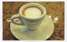 Nuestra pasión nos inspira. Somos especialidad en brindarte el mejor café  Sé parte de la gran #ExperienciaAroma y deleita tus sentidos con la suavidad aroma y sabor de nuestro #LatteAroma. Visítanos en el C.C. Metrocenter pasaje colonial. #AromaDiCaffé #SaboresAroma #MomentosAroma #CoffeeLovers #CoffeeTime #Coffee