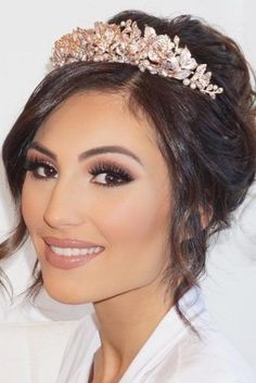 Wedding makeup for blue eyes natural for brunettes, airbrush, for bride, for blondes, for redheads, vintage, with red lip, boho dramatic looks for fair skin, tutorials rips and tricks and more Check our our other boards for other wedding tips and tricks