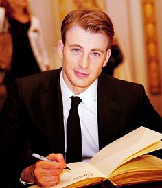 Chris Evans-if only he were a member *Le Sigh*