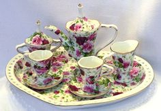 Google Image Result for http://www.kannimports.com/tea%2520sets%2520and%2520tea%2520pots/mini_B815_teaset_sm.jpg