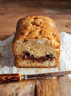 Ricardo& recipe: Apple and Dark Chocolate Pound Cake Easy Cookie Recipes, Baking Recipes, Dessert Recipes, Muffin Recipes, Bread Recipes, Dessert Ricardo, Chocolate Pound Cake, Molten Chocolate, Ricardo Recipe