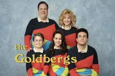 The Goldbergs, edizione italiana Italia1 ha scelto The Goldbergs come nuova serie televisiva per appassionare il suo pubblico con l'arrivo del nuovo anno. Collocata nella storica fascia pomeridiana delle 16.00, The Goldbergs arriva #sitcom #serietv #telefilm #italia1