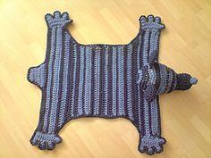 Ravelry: Bear Rug - Bärenteppich pattern by Sonea Delvon...free pattern!