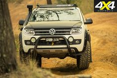 Hunting for perfection can lead to something special, as Peter Bouma and Wolf recently found out with the Custom Volkswagen Amarok Dark Label. Amarok V6, Vw Tiguan, Suv Trucks, Pickup Trucks, My Dream Car, Dream Cars, Vw Toureg, Mitsubishi Suv, 4x4