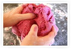 Dit recept voor zoutdeeg wil ik ook wel uitproberen 1) verhit dus luchtiger? 2) natuurlijke kleurstoffen 3) waarom zuiveringszout?