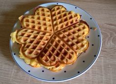 Glutenfreie Waffeln Gluten-free waffles, a very delicious recipe from the category of pastries. Bread Machine Recipes, Easy Bread Recipes, Sin Gluten, Homemade Crescent Rolls, Healthy Cinnamon Rolls, Gluten Free Meatballs, Gluten Free Waffles, Maila, Confectionery