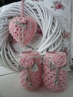 Lalylala is gegroeid Crochet Home, Crochet Gifts, Free Crochet, Knit Crochet, Crochet Jar Covers, Knitting Patterns, Crochet Patterns, Crochet Wedding, Crochet Decoration