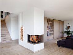 Kamin im Passivhaus Kiefer von Baufritz • Mit Musterhaus.net Inspirationen für hochwertige Kamine sammeln!