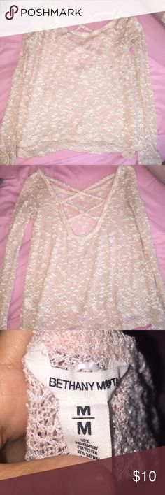Light Pink Knitted sweater💖💖 Super cute and comfy knitted sweater, soft pink and white, 65% polyester, 32% rayon, 3% spandex. Aeropostale Sweaters Crew & Scoop Necks