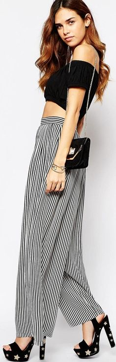 Wide leg flares - http://www.boomerinas.com/2015/02/24/7-womens-trouser-trends-wide-leg-pants-flared-bell-bottoms-palazzos-culottes/