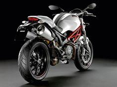 2013 Ducati Monster 796 Spécifications