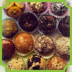 Happy Hempy Hump Day Bliss Balls by @ladyi_p  #vegan #blissball #energyballs #treats #superfood #acai #spirulina #hempseedprotein #nuts #kumquat #cranberries #coconutflakes #dates #peanutbutter #yummy #protein #snacks #healthysnack #comfortfood #hempseeds #sesameseeds #cocoa #chiaseeds #creativity #inspiration  #hemphearts #hippie #hippies