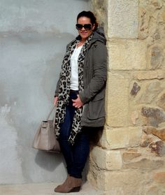 Loving this look!  Leopard scarf makes this outfit.