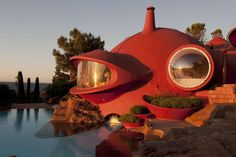 Out of This World: Tour the Psychedelic Interiors of the Experimental Bubble House - Architizer