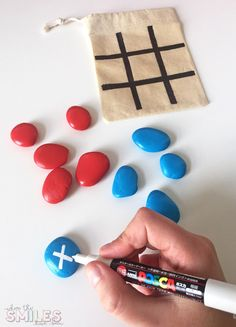 DIY Painted Rock Tic-Tac-Toe travel game for fun on the go! - UPCYCLING IDEASDIY Painted Rock Tic-Tac-Toe travel game for fun on the go !, painted reisespiel unterwegsCool painting ideas for DIY glass vasesSuper cool Kids Crafts, Diy Crafts For Kids, Crafts To Sell, Easy Crafts, Craft Projects, Upcycled Crafts, Diy And Crafts Sewing, Diy Niños Manualidades, Drawing Videos For Kids