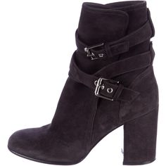 Pre-owned Gianvito Rossi Buckle-Accented Suede Ankle Boots ($345) ❤ liked on Polyvore featuring shoes, boots, ankle booties, grey, buckle booties, gray ankle boots, short boots, grey booties and gray suede booties