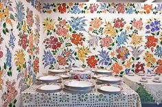 Pingálj szabadon! Hungarian Embroidery, Embroidery Patterns, Tapestry, Hungary, Folk Art, Florals, Prints, Clothing, Design