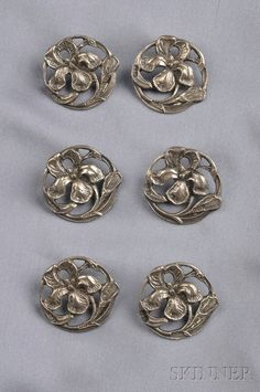 Six Art Nouveau Sterling Silver Buttons, Deakin & Francis, Birmingham, each… Silver Buttons, Metal Buttons, Vintage Buttons, Art Nouveau, Button Art, Button Crafts, Sewing A Button, Or Antique, Messing