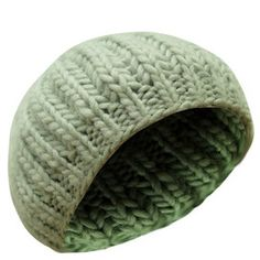 Cute kids knitted beanie hat in grey (2-10 years) £3.99