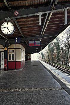 Bahnhof von T. Sobo - Berlin